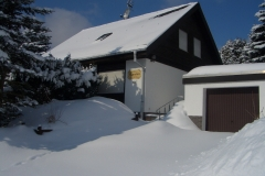 Haus Hannelore Eingang im Winter